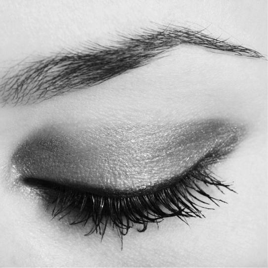 Augenbrauenkontur