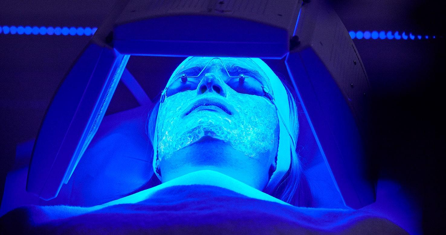 Kleresca Patient - Nicht-invasive biophotonische Gesichtsbehandlung