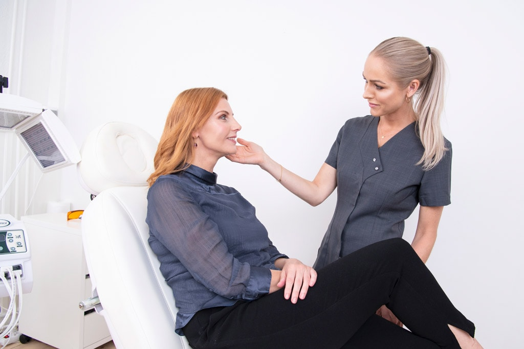 Rosacea Campaign Pictures - Nicht-invasive biophotonische Gesichtsbehandlung