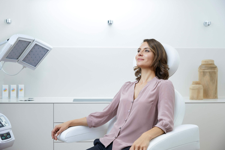 Skin Rejuvenation Behandlung 1 - Nicht-invasive biophotonische Gesichtsbehandlung